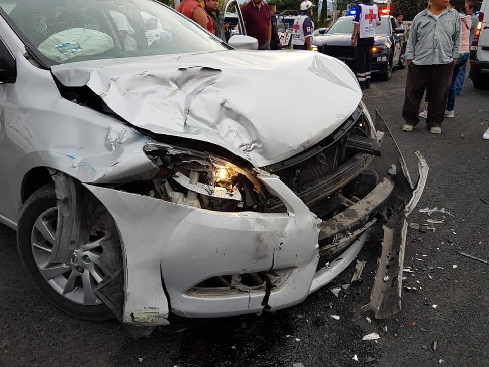 Accidente automovilìstico entre un auto particular y una patrulla